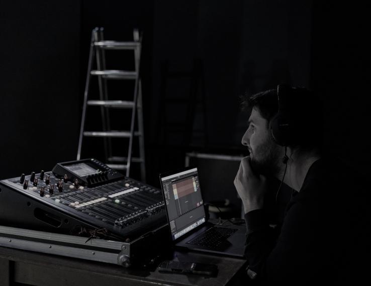 Juozo Miltinio dramos teatras ieško garso operatoriaus
