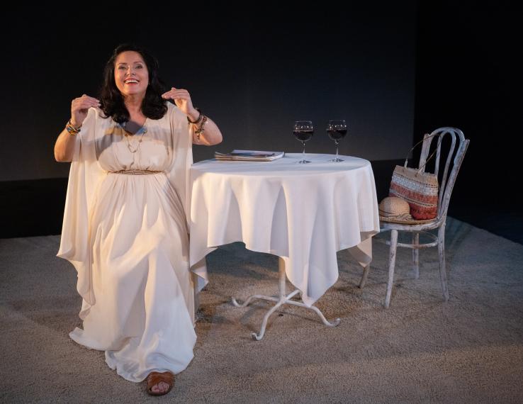 Spalio 22 d. spektaklis KELIONĖ Į EDENĄ keičiamas į komediją MOTERIMS IR JŲ VYRAMS