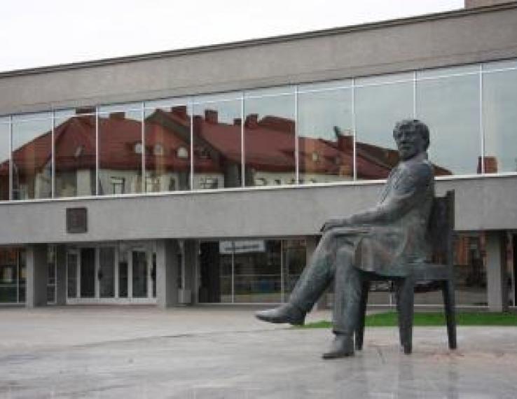Teatras mini 80-metį